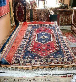 Decorating Brown Rug By Area Rugs Lowes For Floor Decoration Ideas